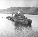 USS Kearny at Reykjavík, Iceland, 19 Oct 1941, two days after she was torpedoed by the German submarine U-568. USS Monssen is alongside. Note the torpedo hole in Kearny