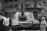 ISU-152 self-propelled gun at the intersection of Fecske Street and Déri Miksa Street, Budapest, Hungary, 30 Oct 1956, photo 6 of 7
