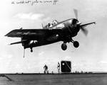 FM-2 Wildcat landing on USS Makin Island, circa 1944-1945