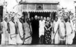 Chiang Kaishek, Song Meiling, and Mohandas Gandhi, India, 18 Feb 1942, photo 1 of 4