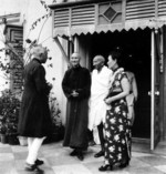 Chiang Kaishek, Song Meiling, and Mohandas Gandhi, India, 18 Feb 1942, photo 3 of 4