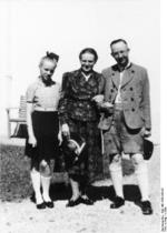 Heinrich Himmler with his wife and daughter, date unknown