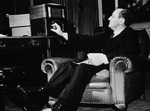 Lord Lothian listening to short wave radio, Sep 1939
