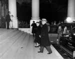 US President Harry Truman and First Lady Bess Truman returning to the White House after major renovation, Washington DC, United States, 1820 hours, 27 Mar 1952