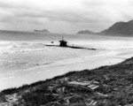 Ha-19 beached on Oahu, US Territory of Hawaii, 8 Dec 1941, photo 2 of 7