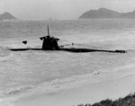 Ha-19 beached on Oahu, US Territory of Hawaii, 8 Dec 1941, photo 3 of 7