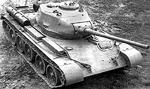 T-44-85 prototype medium tank in field trials, 1944; note the lack of the splashboard