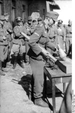 Demonstration of the Panzerfaust anti-tank weapon, Italy, Apr-May 1944
